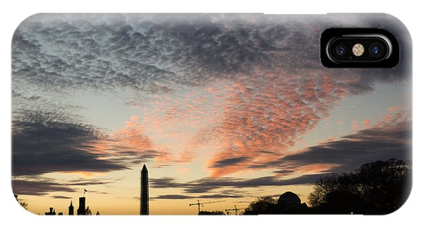 Mother Nature Painted The Sky Over Washington D C Spectacular IPhone Case