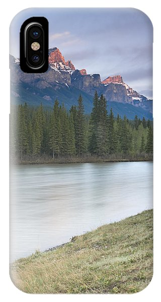 Mount Rundle And The Bow River At Sunrise Phone Case by Richard Berry