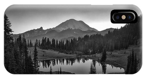 Us National Parks iPhone Case - Mt. Rainier by Michael Zheng