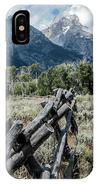 Mts. And Fence Lan 551 IPhone Case