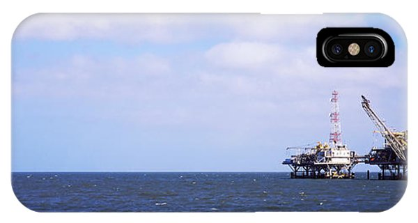 Natural Gas Drilling Platform In Mobile IPhone Case