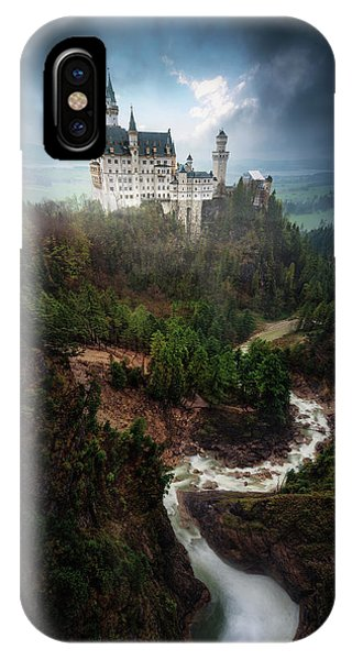 Flow iPhone Case - Neuschwanstein. by Juan Pablo De