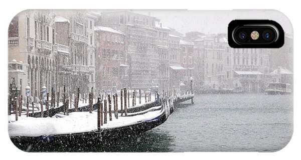 Nevica 3 Phone Case by Izabella V?gh