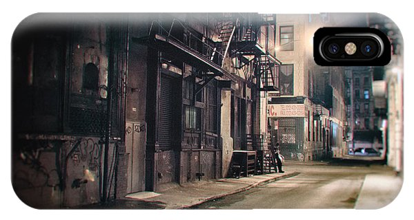 Urban Decay iPhone Case - New York City Alley At Night by Vivienne Gucwa