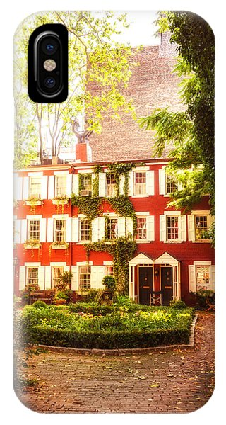 Brownstone iPhone Case - New York City - Charming Townhouses by Vivienne Gucwa