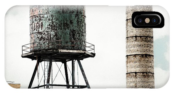 Water Tower And Smokestack In Brooklyn New York - New York Water Tower 12 IPhone Case