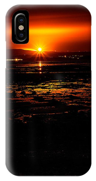 Night Flare. IPhone Case