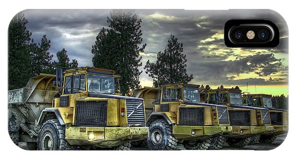 Trucking iPhone Case - Night Shift by Daniel Hagerman