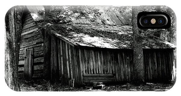 Old Barn In Georgia IPhone Case