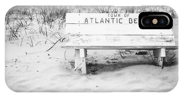 Old Beach Bench IPhone Case