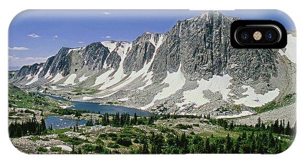 M-09702-old Main Peak, Wy IPhone Case
