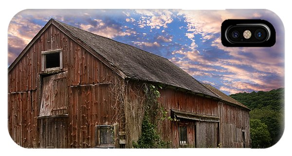 Old New England Barn IPhone Case