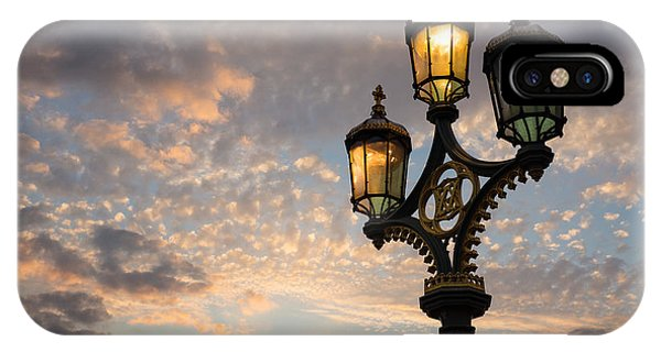 One Light Out - Westminster Bridge Streetlights - River Thames In London Uk IPhone Case
