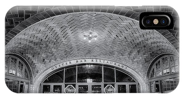 Oyster Bar iPhone Case - Oyster Bar Bw by Susan Candelario