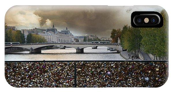 Paris Pont Des Art Bridge Locks Of Love Bridge - Romantic Locks Of Love Bridge View  IPhone Case