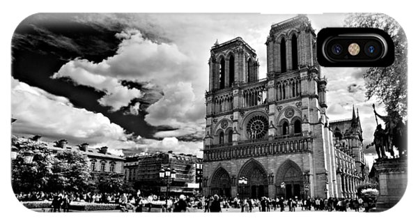 IPhone Case featuring the photograph Parvis Notre Dame / Paris by Barry O Carroll