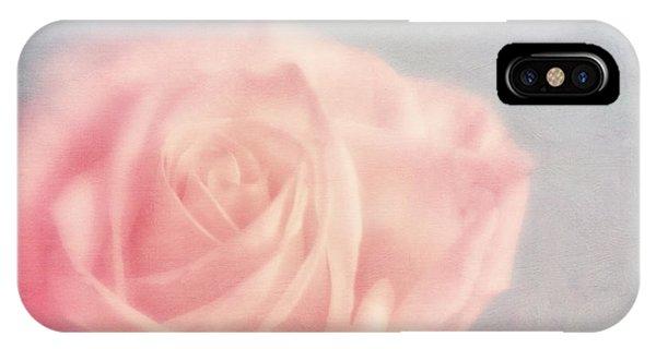 Valentine iPhone Case - pink moments I by Priska Wettstein