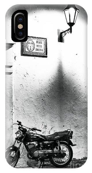 Plaza De La Aduana Phone Case by John Rizzuto