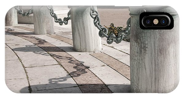 Posts And Chains At Niagara Square IPhone Case
