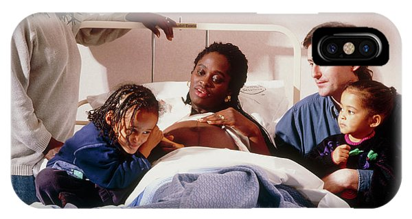 Pregnant Woman And Her Family On An Antenatal Ward Phone Case by Ruth Jenkinson/midirs/science Photo Library