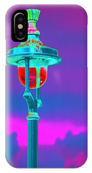 Psychedelic London Streetlight IPhone Case
