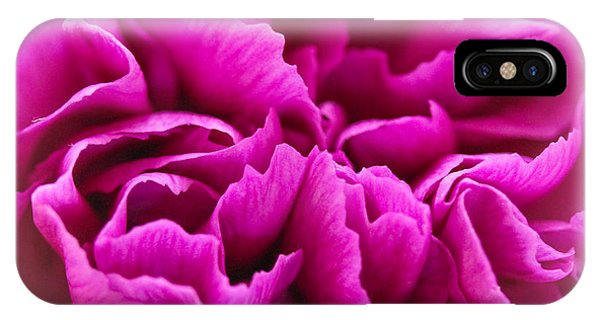 Purple Geranium In Macro Phone Case by Elizabeth Thomas