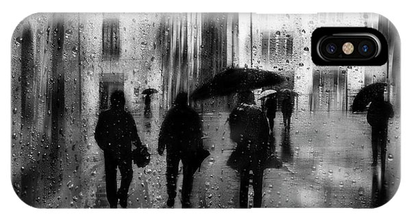 People iPhone Case - Rainy Days by Fran Osuna