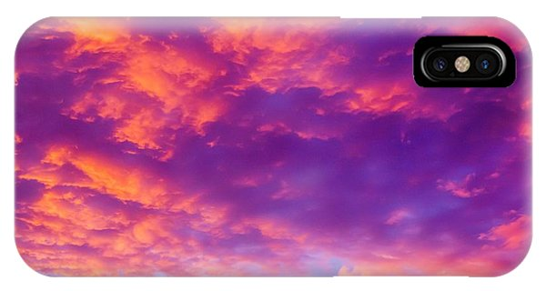 Sun Set iPhone Case - Red Cloudscape At Sunset. by Photostock-israel/science Photo Library