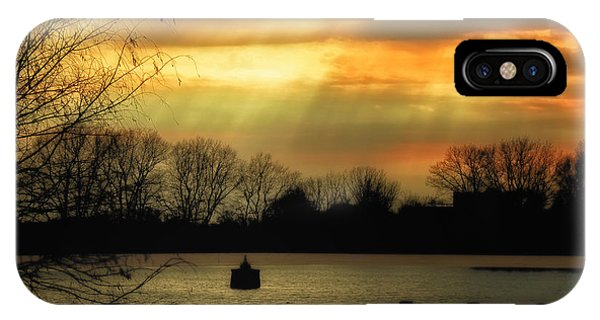 Reservoir Afternoon Phone Case by Susan Desmore
