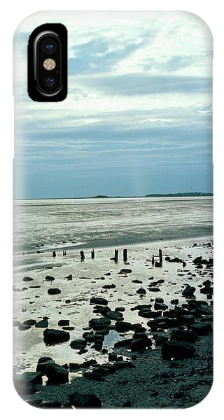 Delta iPhone Case - River Dee Estuary by Dr Rob Stepney/science Photo Library