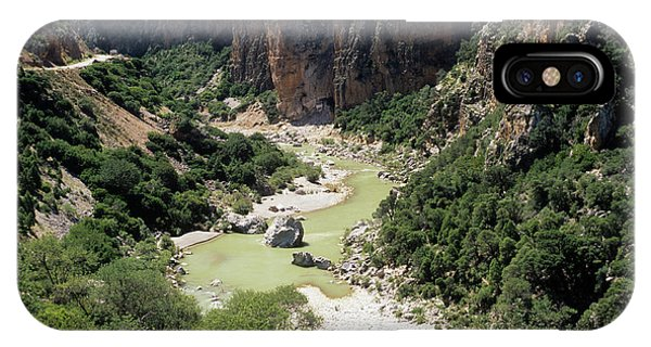 Er iPhone Case - River Valley by Mark De Fraeye/science Photo Library