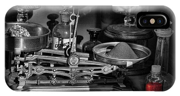 Romeo's Elixir Of Death Phone Case by Lee Dos Santos
