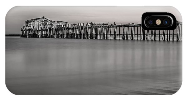 Romeo's Pier Bw IPhone Case