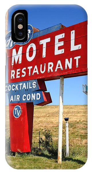 Rural America iPhone Case - Route 66 - Art's Motel by Frank Romeo