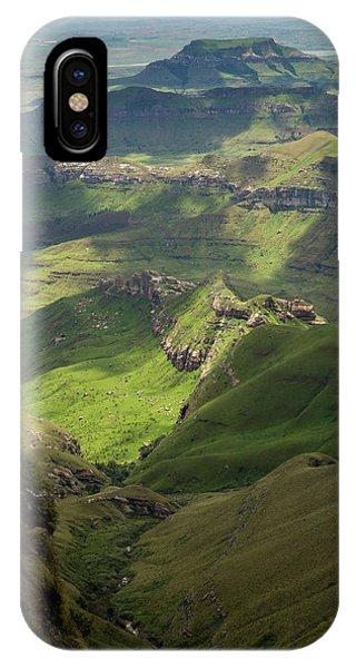 Royal Natal National Park Phone Case by Bob Gibbons