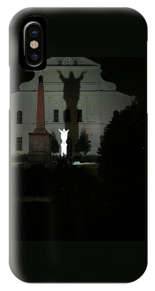 Saint Louis Cathedral Courtyard - New Orleans La IPhone Case