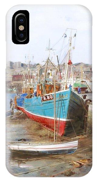 Scarborough Harbour IPhone Case