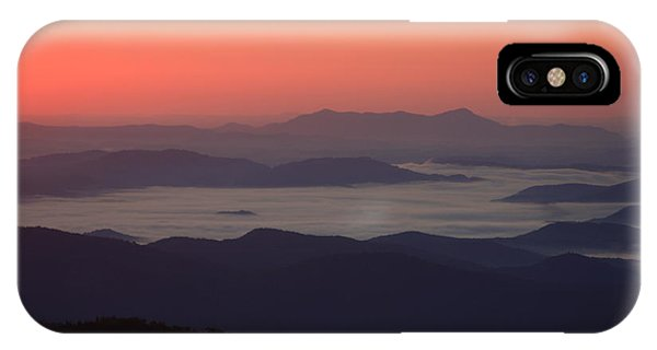 Sea Of Clouds-blue Ridge Mountains Nc IPhone Case
