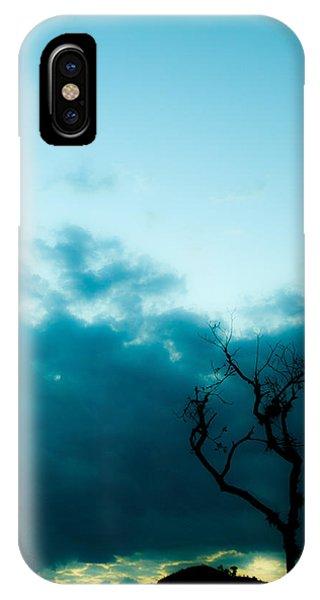 Silhou IPhone Case