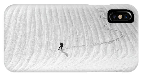 White Mountains iPhone Case - Snow Wave Surfing by Peter Svoboda, Mqep
