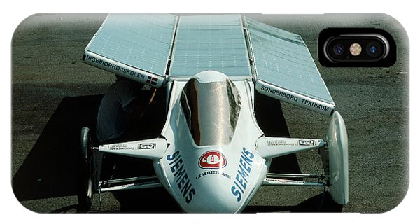 Solar Car Entrant For World Solar Challenge '87 Phone Case by Peter Menzel/science Photo Library