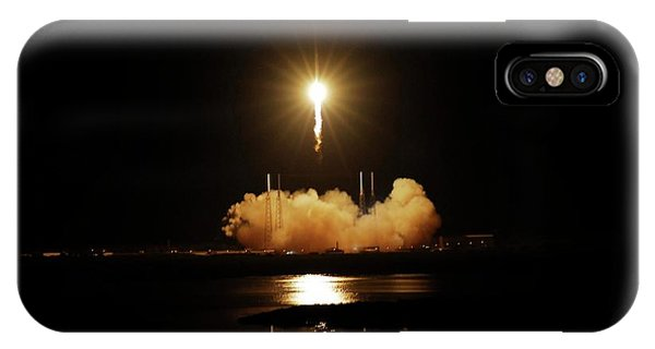 Liftoff iPhone Case - Spacex Dragon Launch by Nasa/science Photo Library