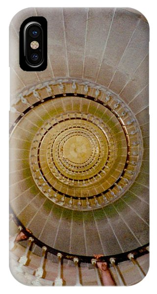 Spirale Du Phare Des Baleines Version Carree IPhone Case