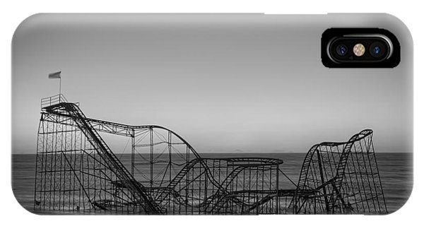 Nikon iPhone Case - Star Jet Roller Coaster Bw by Michael Ver Sprill