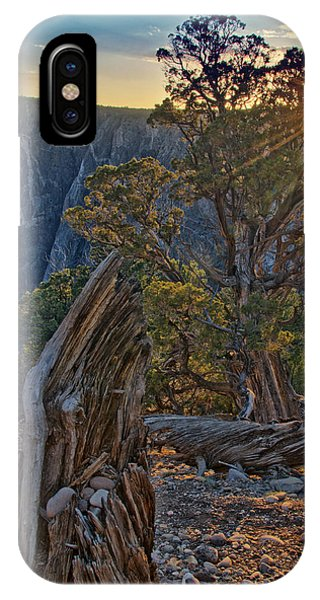 Starburst At Painted Wall IPhone Case