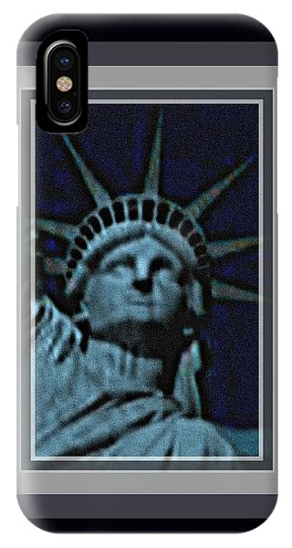 Statue Of Liberty 1 Phone Case by Tracie Howard