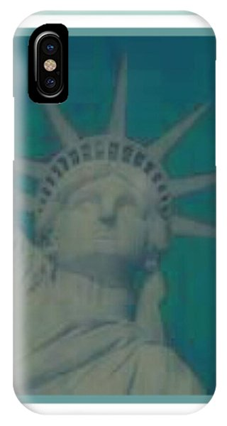 Statue Of Liberty 2 Phone Case by Tracie Howard