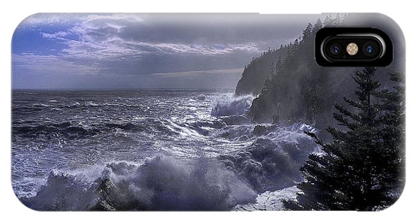 Storm Lifting At Gulliver's Hole IPhone Case