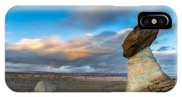 View Point iPhone Case - Stud Horse Point by Larry Marshall