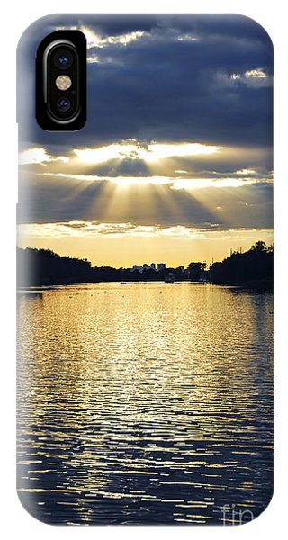 Sun Set iPhone Case - Sunrays On Toronto Island by Elena Elisseeva